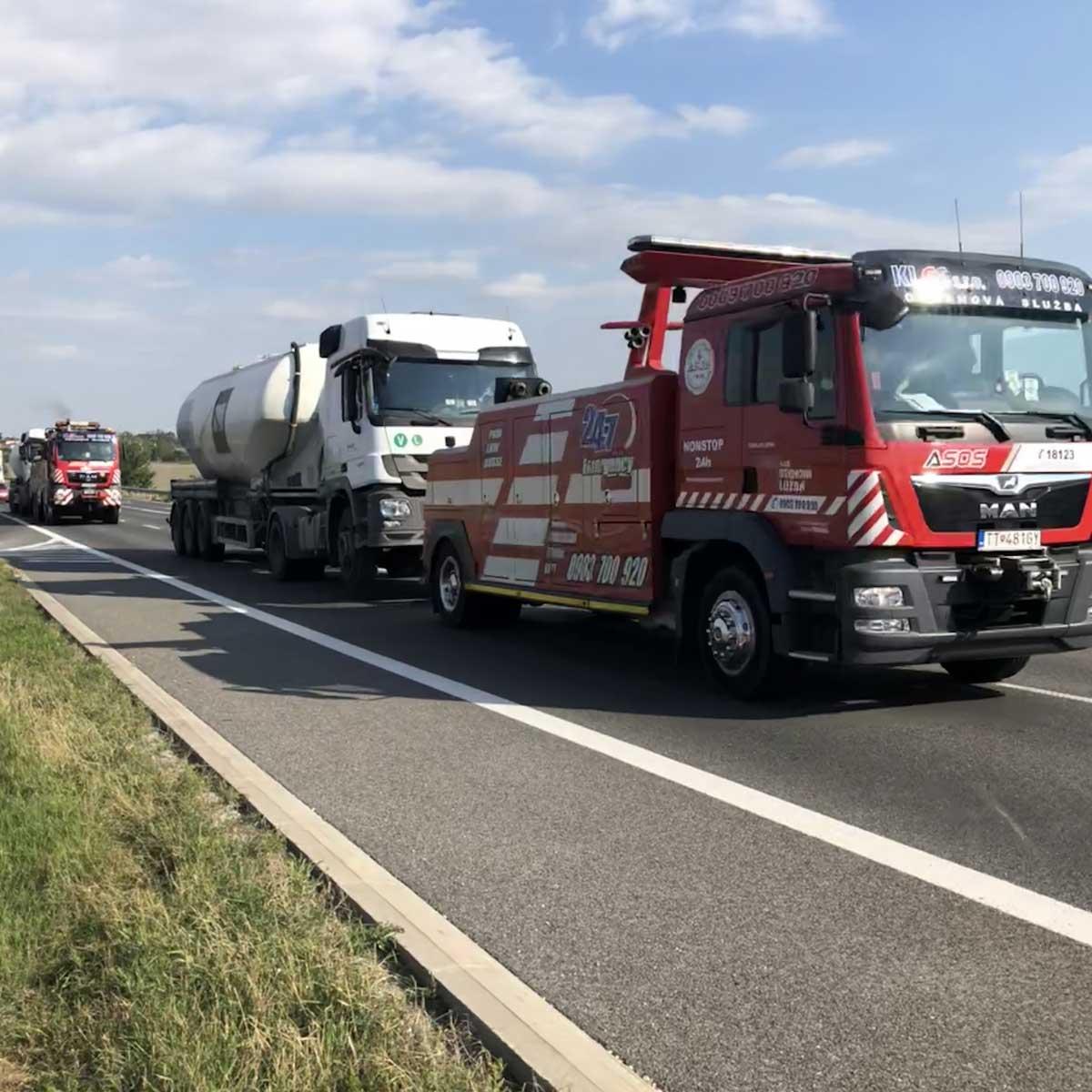 Odťah-kamionu-v-Bratislave